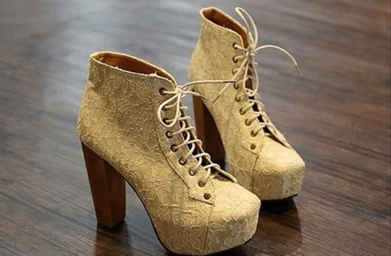 Ботинки короткие бежевые