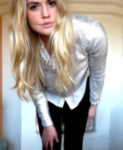Så dagens outfit består istället av en vit sidenskjorta från Zara a1a011f277c99