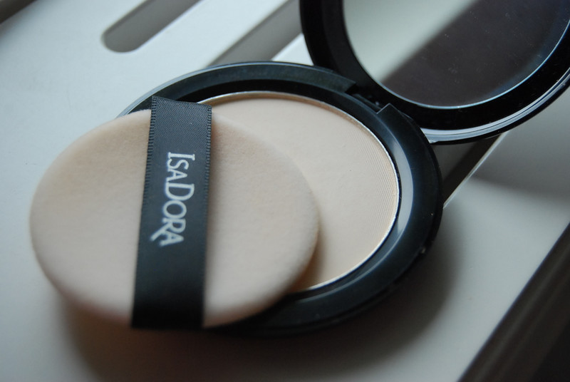 isadora velvet touch compact powder recension